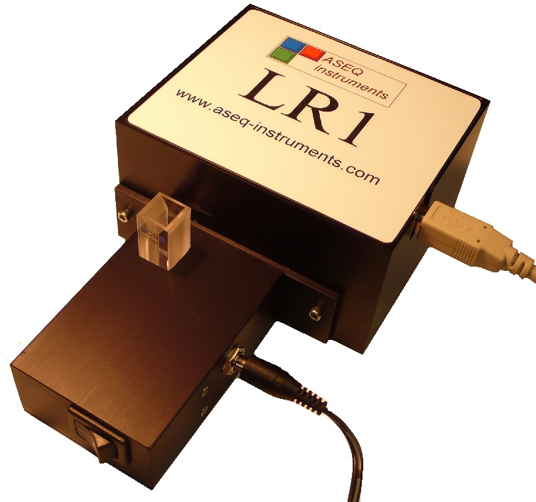 Cuvette holder with LR1 spectrometer
